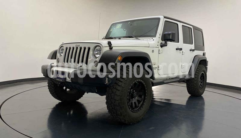 Jeep Wrangler Unlimited Sahara 4x4 3.6L Aut usado (2016) color Blanco precio $589,999