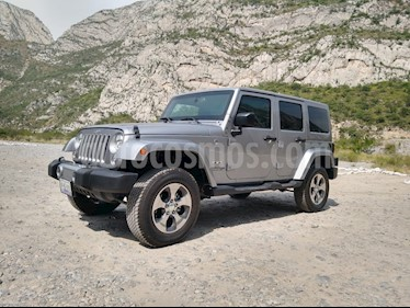 Jeep Wrangler Unlimited Sahara 4x4 3.6L Aut usado (2018) color Plata precio $1,969,900