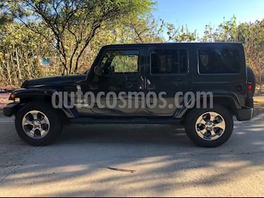 Jeep Wrangler JK Sahara 4x4 3.6L Aut usado (2018) color Gris precio $575,000