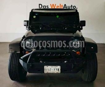 Foto Jeep Wrangler Sahara 4x4 3.8L Aut usado (2013) color Negro precio $425,000