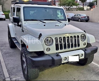 Jeep Wrangler Unlimited Sahara 4x4 3.6L Aut usado (2016) color Blanco precio $500,000