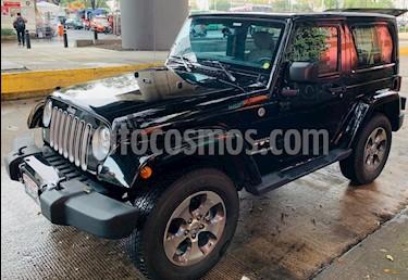 Foto venta Auto Seminuevo Jeep Wrangler Sahara 4x4 3.6L Aut (2017) color Negro precio $630,000