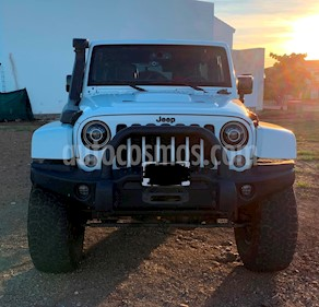 Foto Jeep Wrangler Unlimited Altitude 4x4 3.6L Aut usado (2015) color Blanco precio $610,000