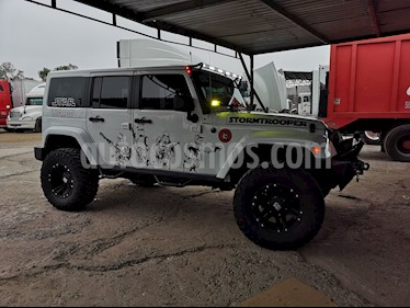 Jeep Wrangler Unlimited JK Sahara 4x4 3.6L Aut usado (2015) color Blanco precio $513,000