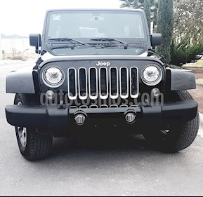 Jeep Wrangler Unlimited Sahara 4x4 3.6L Aut usado (2018) color Negro precio $639,700