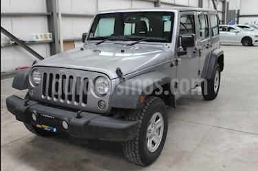 Foto Jeep Wrangler Unlimited Sport 4x4 3.6L Aut usado (2018) color Plata precio $469,800