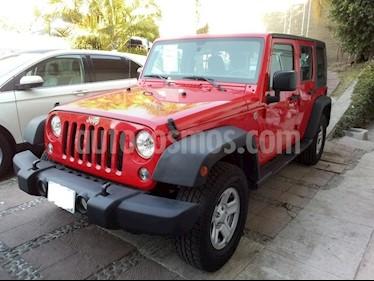 Foto venta Auto Seminuevo Jeep Wrangler Unlimited Sport 4x4 3.6L Aut (2016) color Rojo precio $469,000