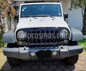 Foto Jeep Wrangler Unlimited Sport 4x4 3.6L Aut usado (2014) color Blanco precio $405,000