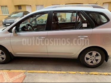 Kia Carens  2.0L LX  usado (2011) color Gris precio $6.500.000