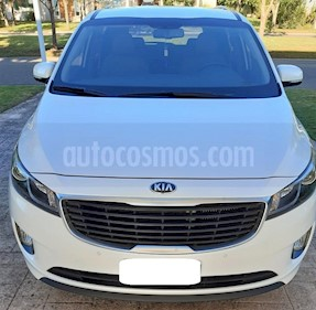 KIA Carnival EX 2.2 CRDi Aut Premium usado (2018) color Blanco precio $2.550.000