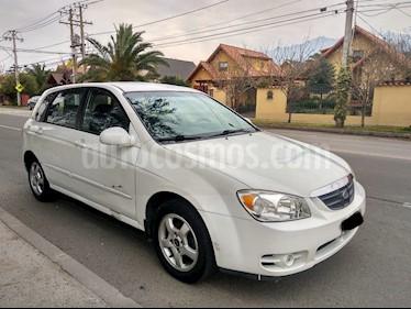 Foto venta Auto usado Kia Cerato 5 EX  (2005) color Blanco precio $2.600.000