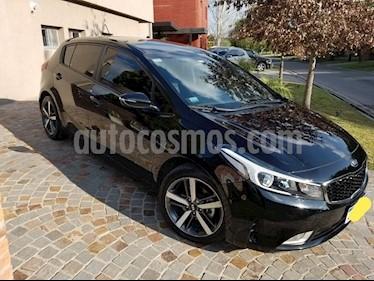 Foto venta Auto usado KIA Cerato 5P EX 1.6 Aut (2018) color Negro precio $824.900