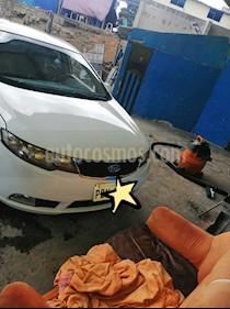 Foto venta Auto usado Kia Cerato Forte 1.6 Full (2015) color Blanco precio u$s16.200