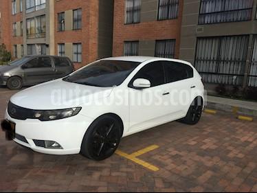 Foto venta Carro usado KIA Cerato Forte 1.6L Aut (2013) color Blanco precio $31.900.000