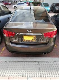 Foto venta Carro usado KIA Cerato Forte 1.6L  (2013) color Bronce precio $33.000.000