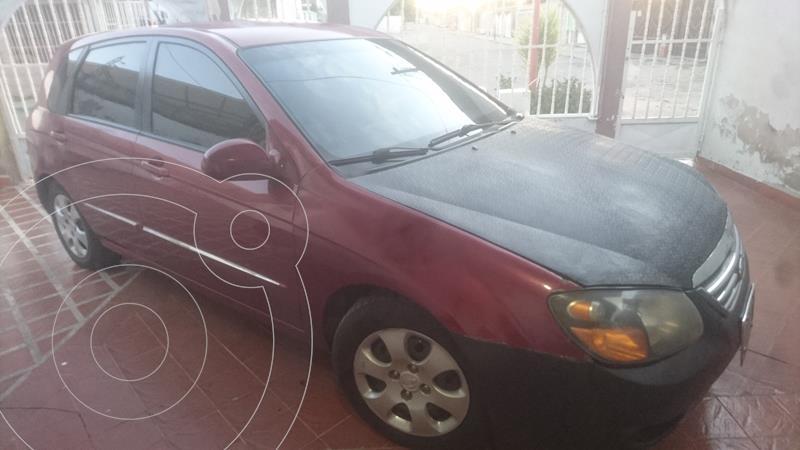 Kia Cerato 2.0L usado (2008) color Rojo precio u$s1.800