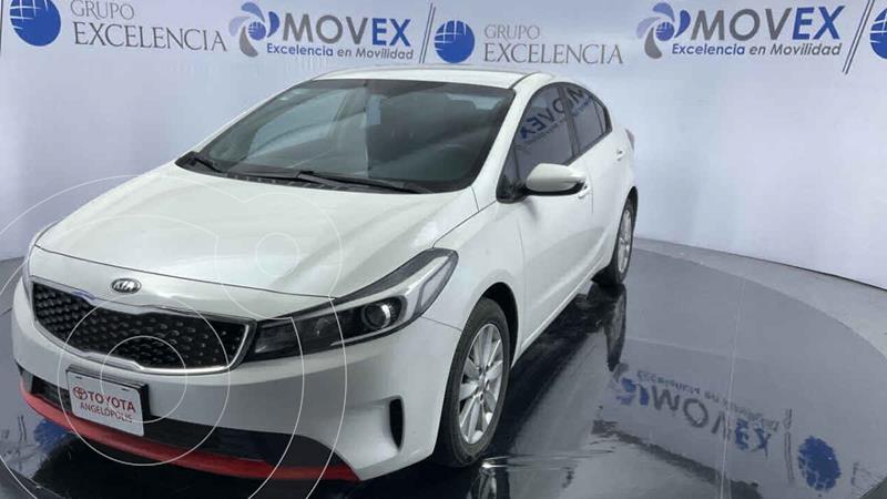 Foto Kia Forte Sedan L Aut usado (2018) color Blanco precio $215,000