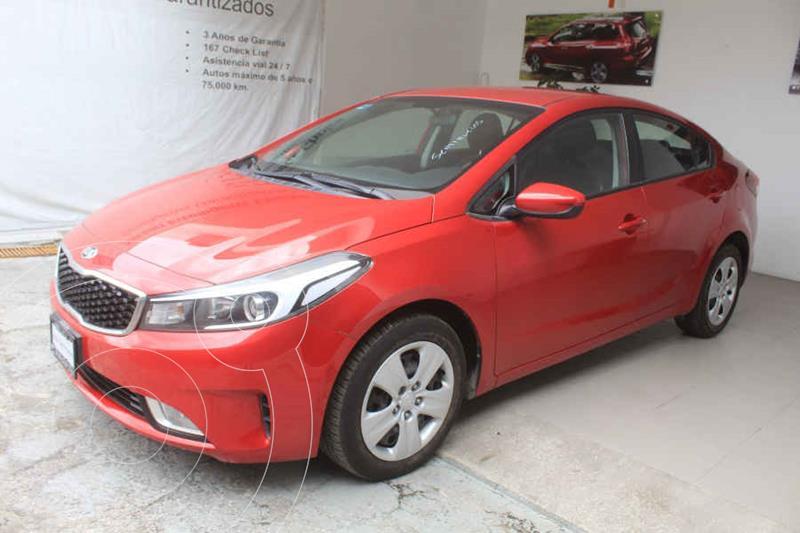 Foto Kia Forte Sedan LX Aut usado (2017) color Rojo precio $195,000