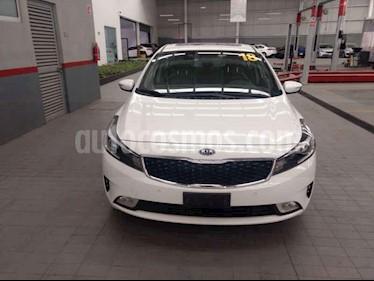 Foto venta Auto usado Kia Forte EX Aut (2018) color Blanco precio $318,900