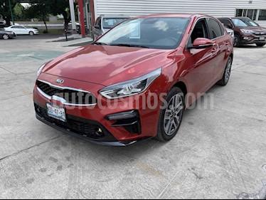 Kia Forte EX Aut usado (2019) color Rojo precio $330,000