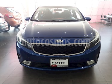 Foto venta Auto Seminuevo Kia Forte EX Aut (2017) color Azul Celeste