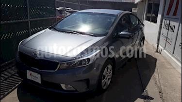 Foto venta Auto usado Kia Forte EX Aut (2017) color Gris precio $194,000