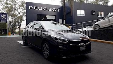 Foto venta Auto usado Kia Forte EX Aut (2019) color Negro Perla precio $334,900