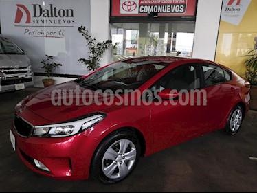 Foto venta Auto Seminuevo Kia Forte EX Aut (2017) color Rojo precio $229,000