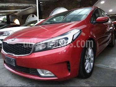 Foto Kia Forte EX usado (2017) color Rojo precio $189,900