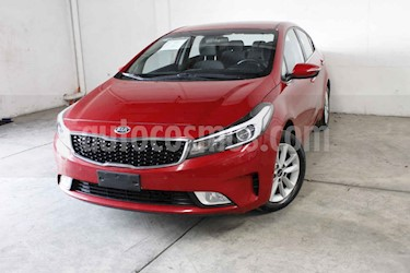 Foto venta Auto usado Kia Forte EX (2018) color Rojo precio $257,000