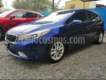 Foto venta Auto usado Kia Forte EX (2018) color Azul Celeste precio $275,000