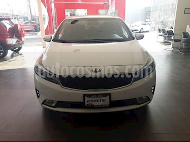 Foto venta Auto usado Kia Forte EX (2018) color Blanco precio $245,000