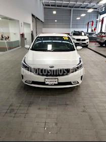 Foto venta Auto usado Kia Forte EX (2018) color Blanco precio $290,000