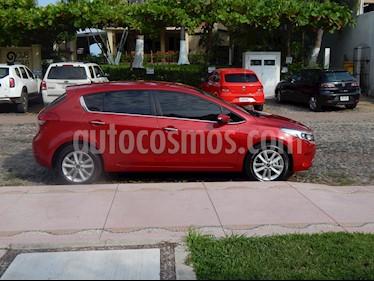 Foto venta Auto usado Kia Forte HB EX (2018) color Rojo Carmesin precio $255,000