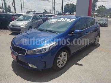 Foto venta Auto usado Kia Forte HB EX (2017) color Azul precio $225,000