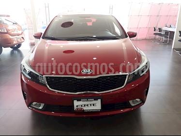 Foto venta Auto Seminuevo Kia Forte HB EX (2018) color Rojo