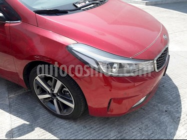 Foto venta Auto usado Kia Forte HB SX Aut (2018) color Rojo precio $320,229