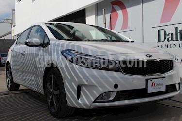 Foto venta Auto Seminuevo Kia Forte HB SX Aut (2018) color Blanco precio $305,000