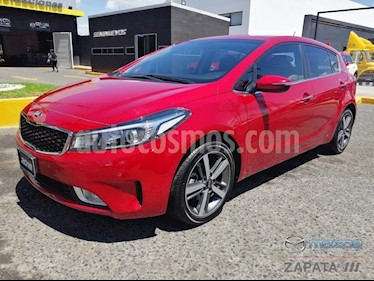 Foto venta Auto usado Kia Forte HB SX (2018) color Rojo precio $270,000