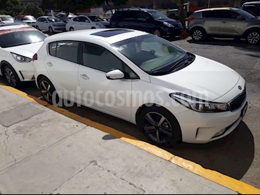 Foto venta Auto usado Kia Forte HB SX (2018) color Blanco precio $289,000