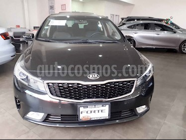 Foto venta Auto usado Kia Forte HB SX (2017) color Negro precio $235,000
