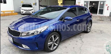 Foto venta Auto usado Kia Forte HB SX (2018) color Azul precio $265,000
