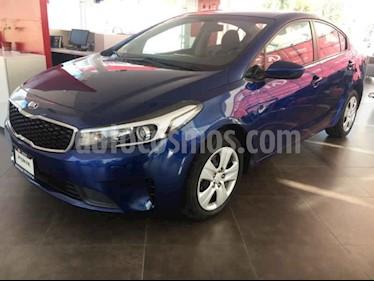 Kia Forte L Aut usado (2018) color Azul precio $225,000
