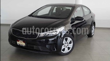 Foto venta Auto usado Kia Forte L (2017) color Negro precio $198,000