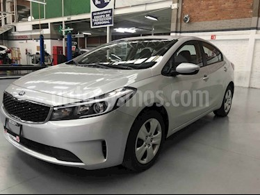 Foto venta Auto usado Kia Forte L (2018) color Plata precio $200,000