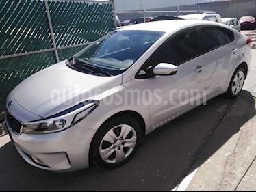 Foto venta Auto usado Kia Forte LX Aut (2018) color Plata precio $235,000