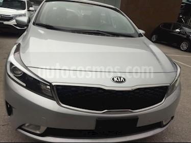 Foto venta Auto usado Kia Forte LX (2017) color Plata precio $214,000