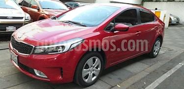 Foto venta Auto usado Kia Forte LX (2018) color Rojo precio $233,000