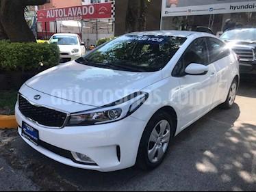 Foto venta Auto usado Kia Forte LX (2017) color Blanco precio $205,000