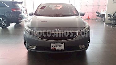 Foto venta Auto usado Kia Forte LX (2017) color Gris precio $209,000